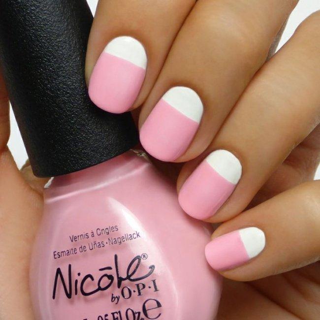 Бледо розово и бяло