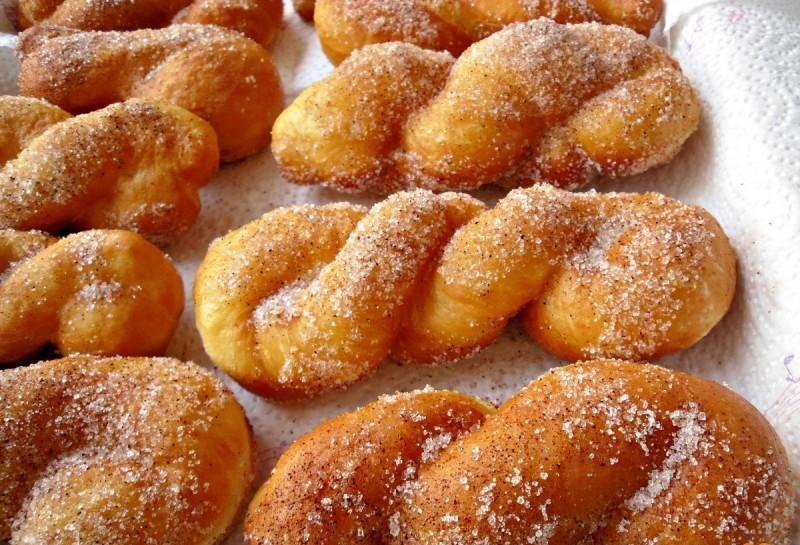 захарни мекички