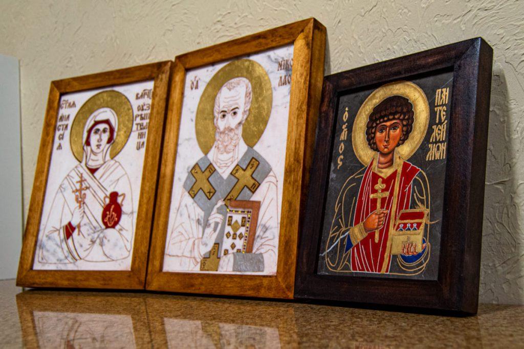 икони в дома