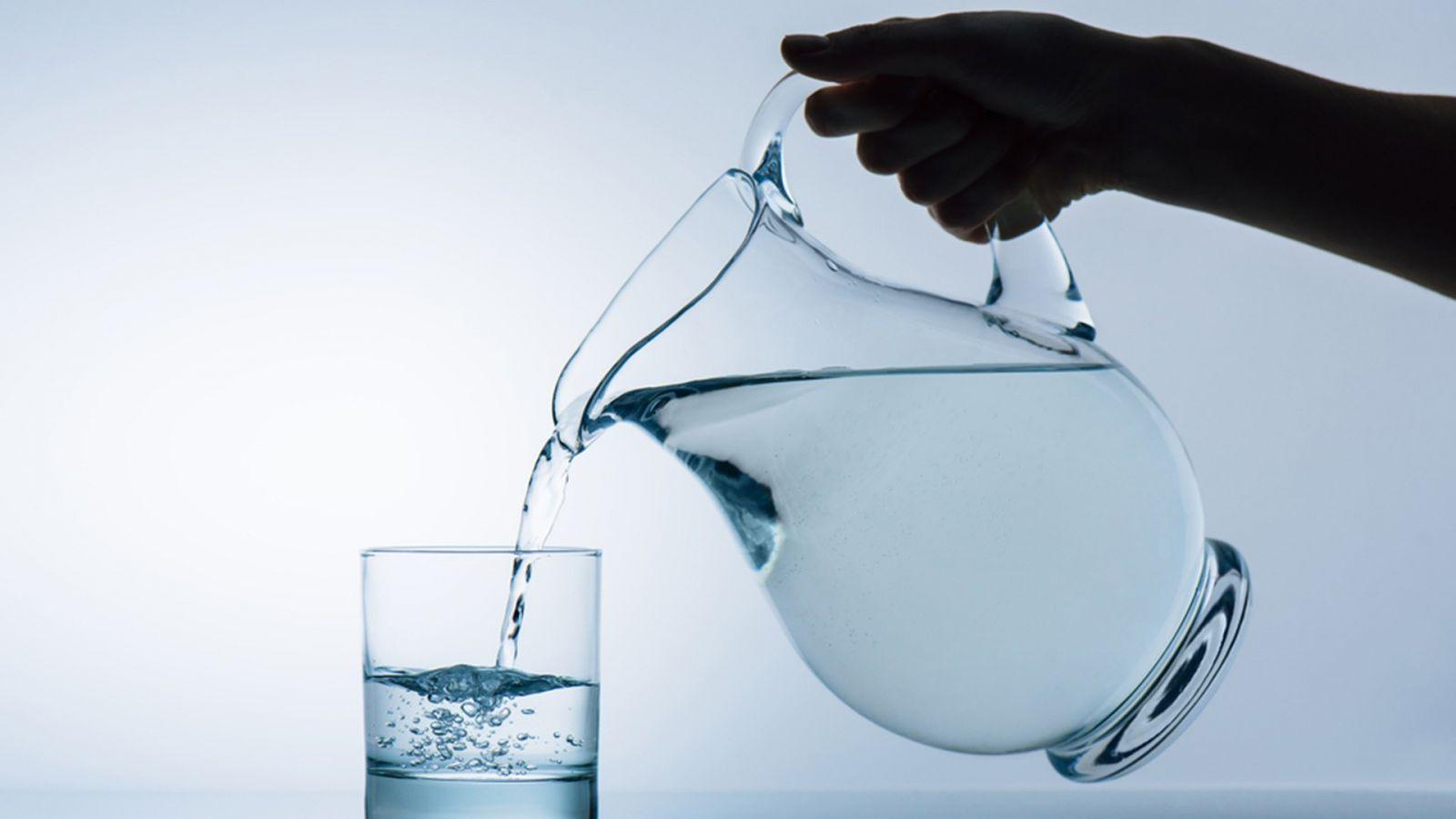 чаша прясна вода
