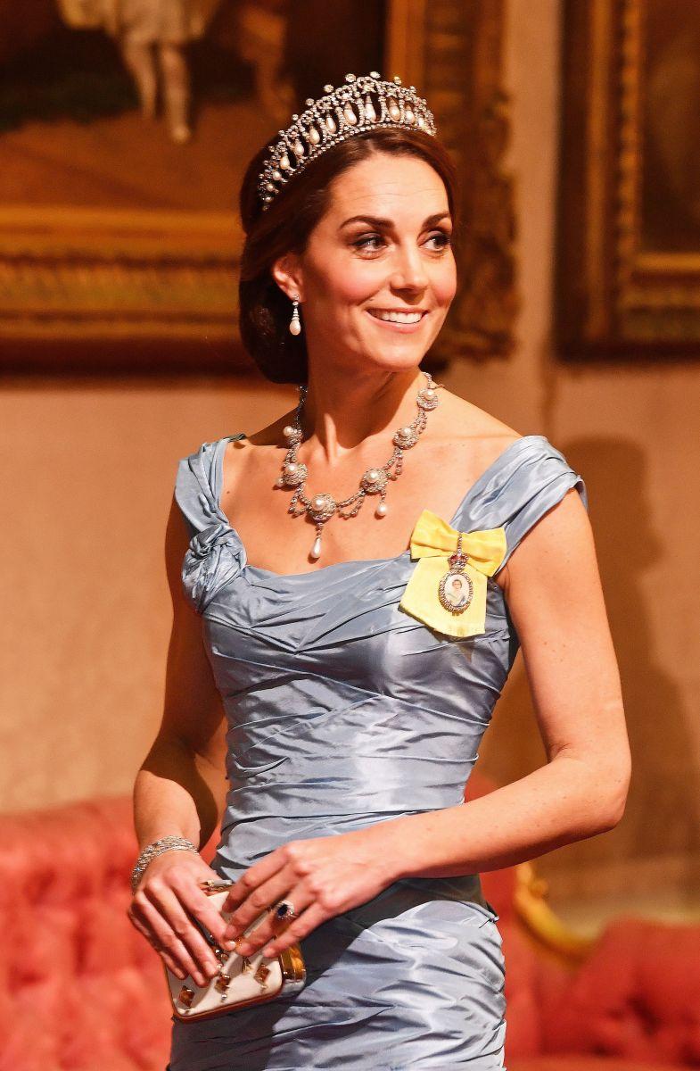 Кейт кралица