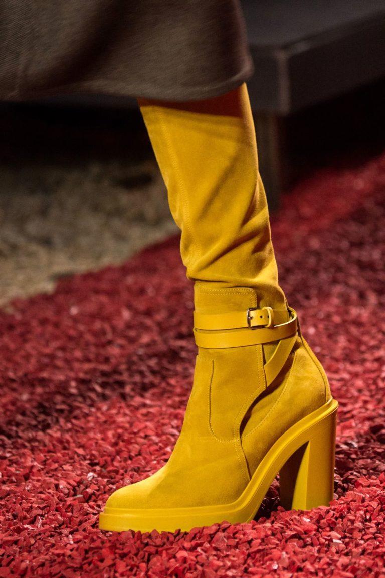 ботуши в жълто