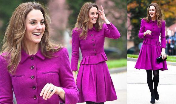 Кейт лилава рокля