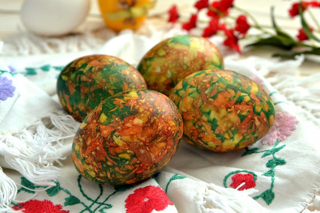 красиви мраморни яйца