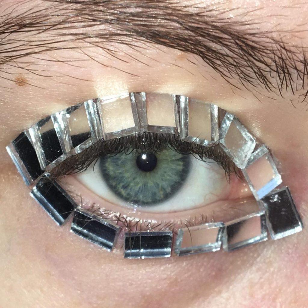 стъклени клепачи