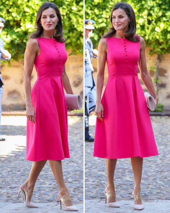кралица Летисия в розово