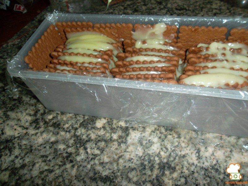 вертикална бисквитена торта 1