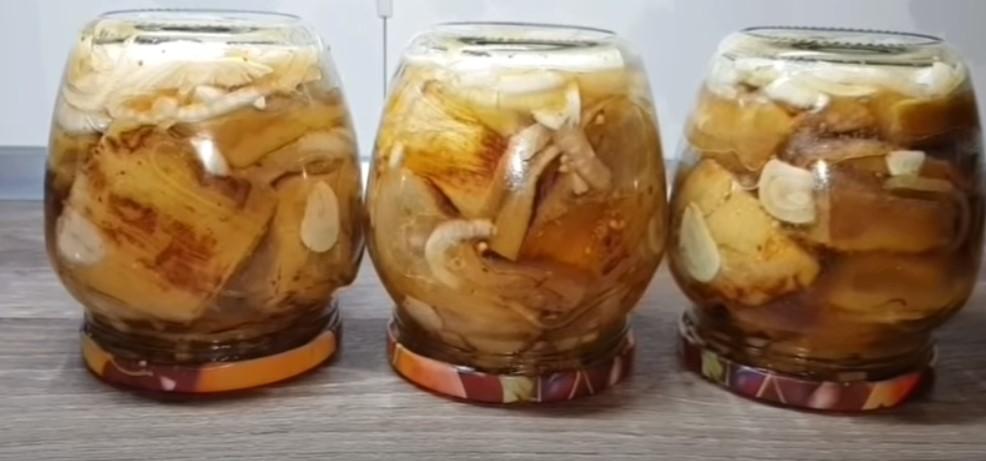 мариновани патладжани с чесън