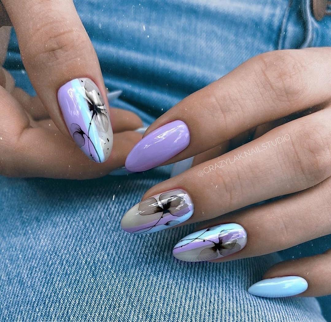 нежни нокти с цветя