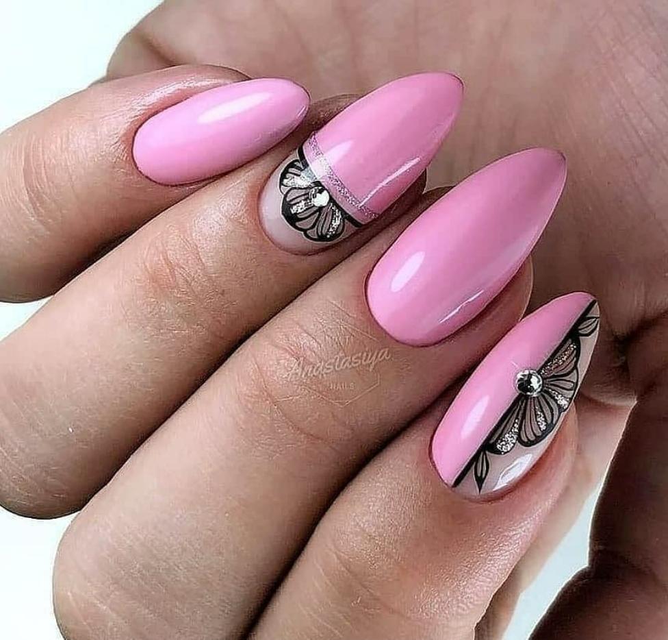 красив нейл арт в розово