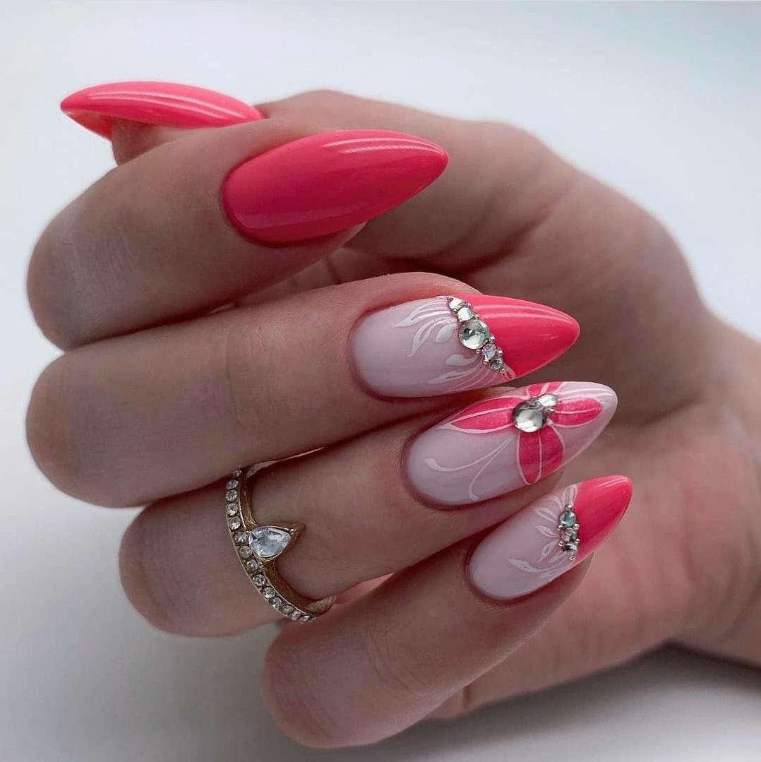 сладък розов маникюр