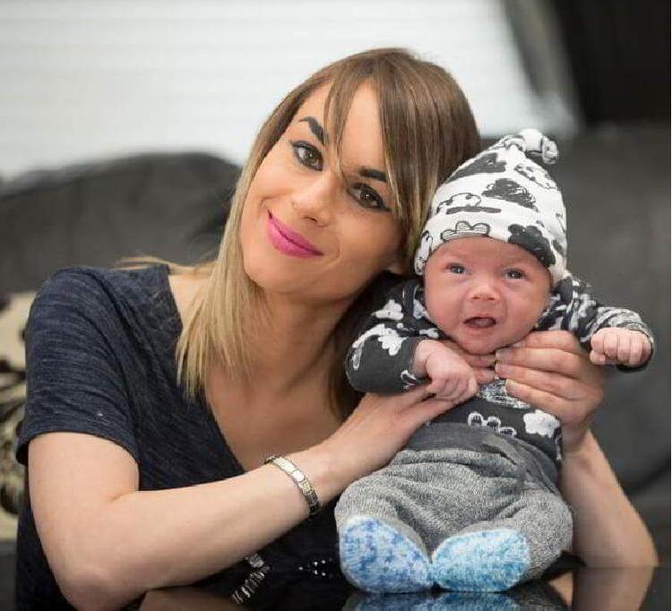 майка с бебе