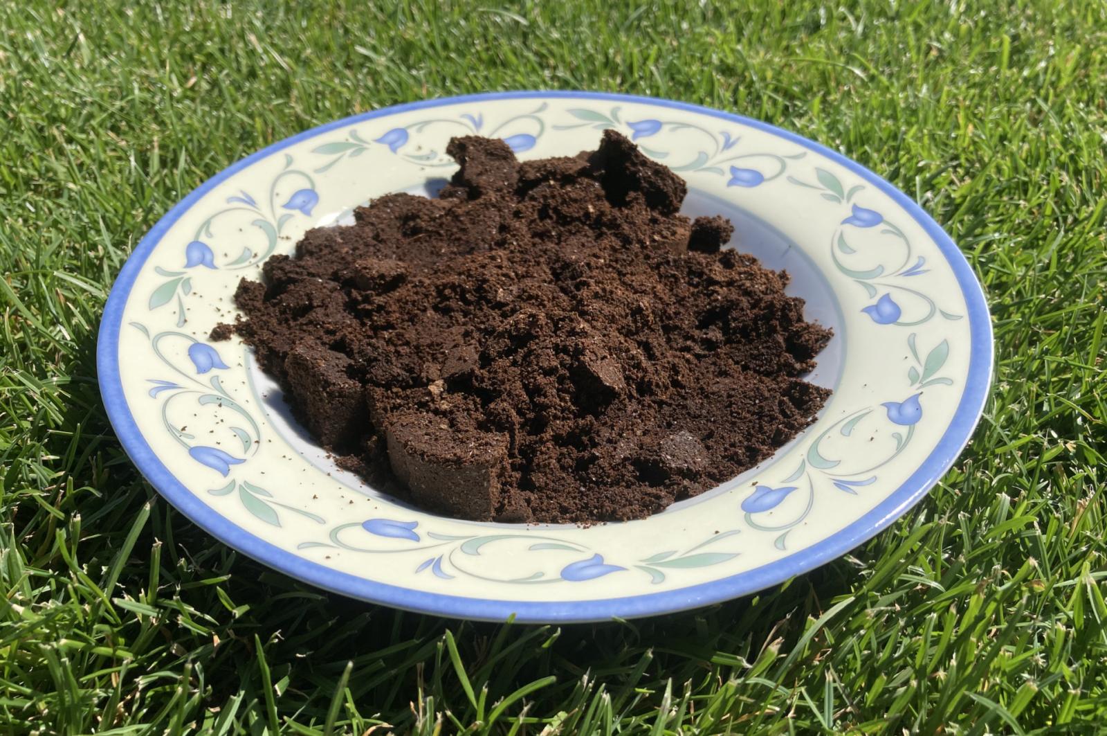 утайка от кафе за градината