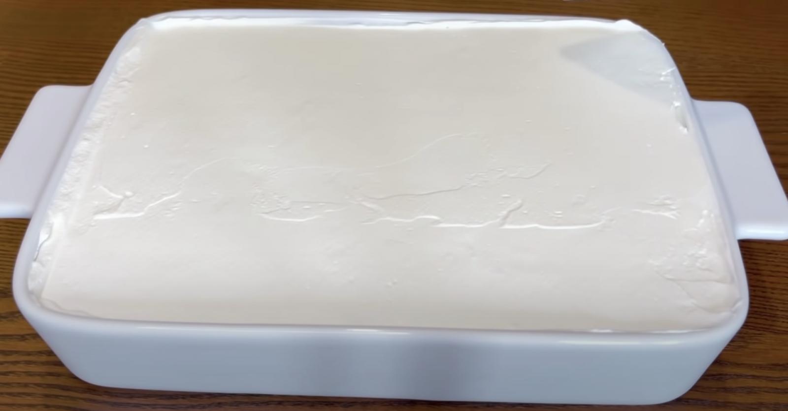 бисквитена торта със сметана