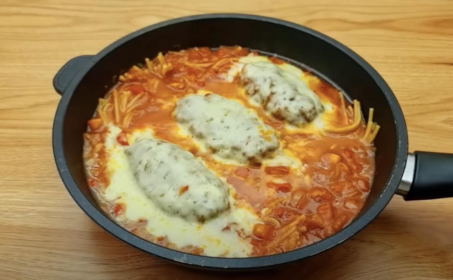 вкусно ястие с кайма и спагети