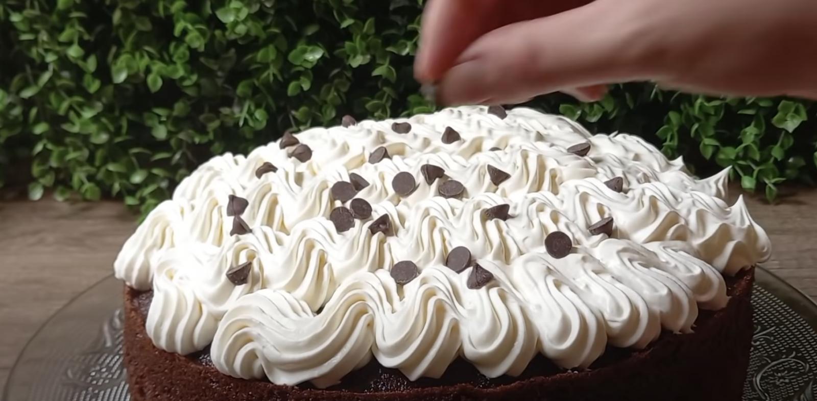 шоколадова торта със сироп