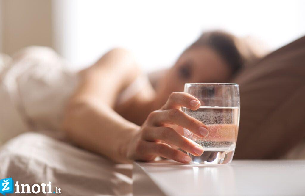 чаша вода при мигрена