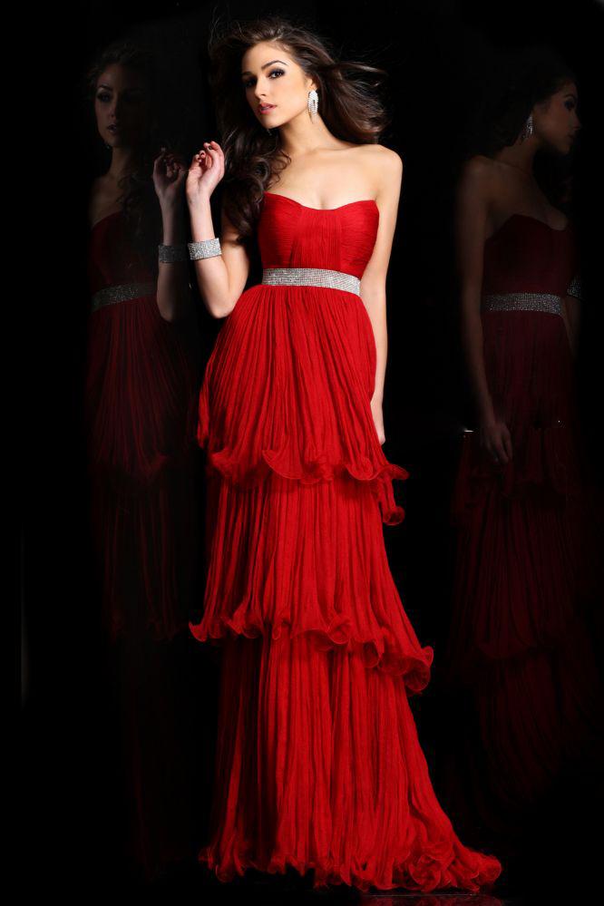 романтична червена рокля