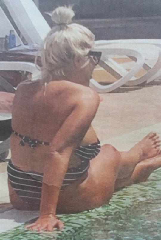 Андреа дебела