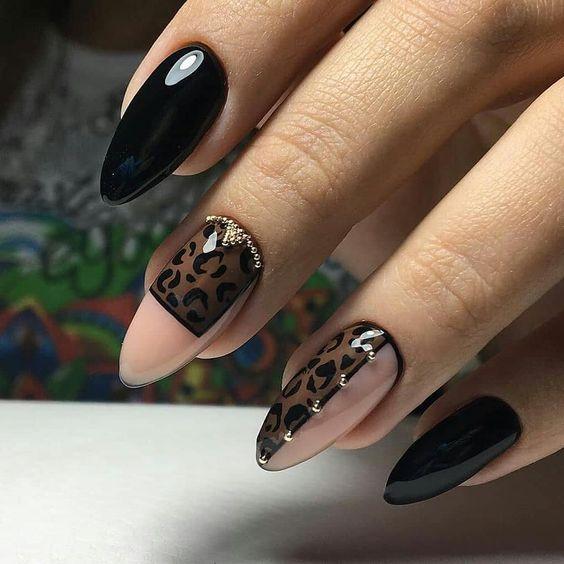 черен маникюр леопардов