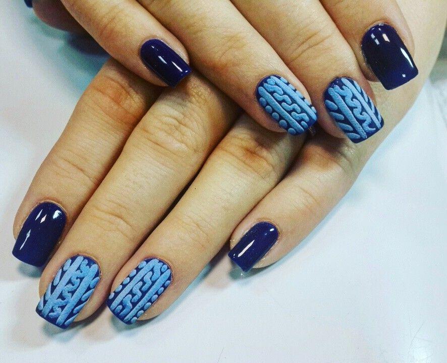 сини плетени нокти