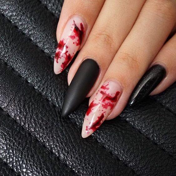 кървав маникюр Хелоуин