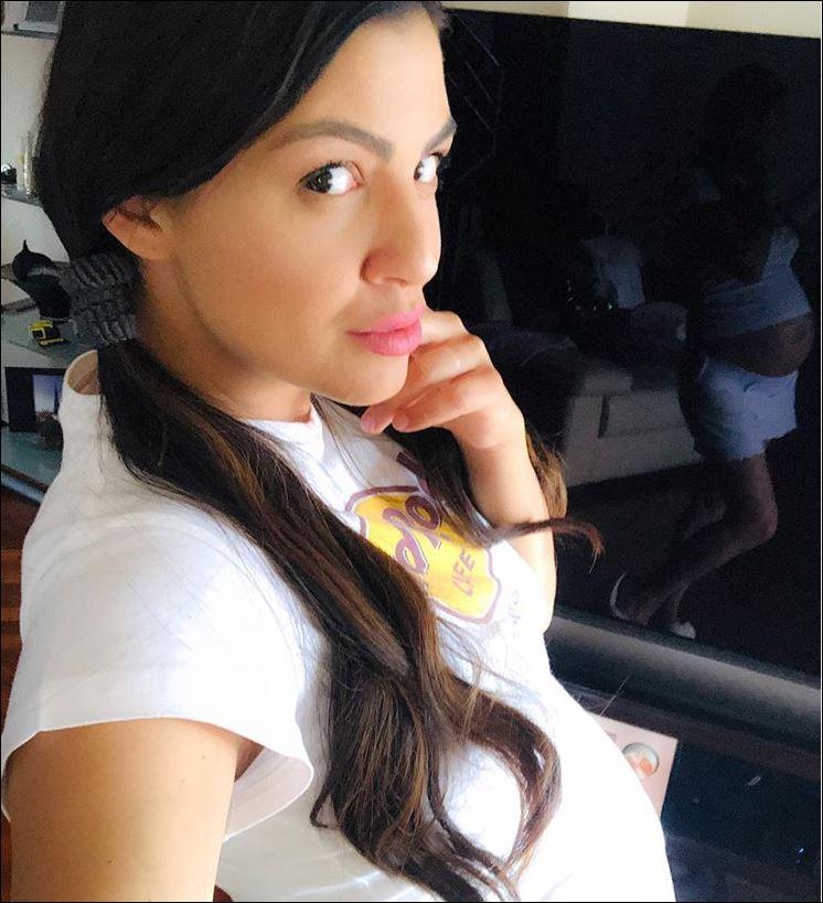 Деси Цонева бременна