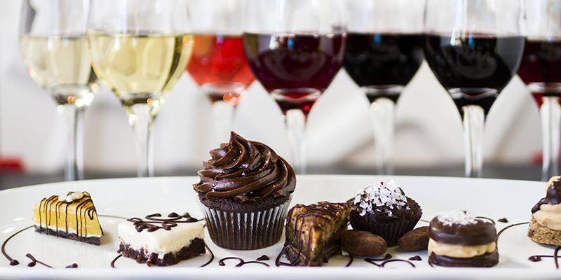 вино и десерт