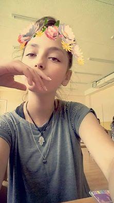 Данайа на Виолета Здравкова порасна девойка прекрасна