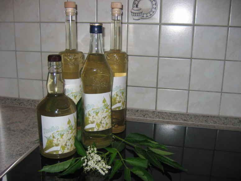 сироп от бъз бутилки