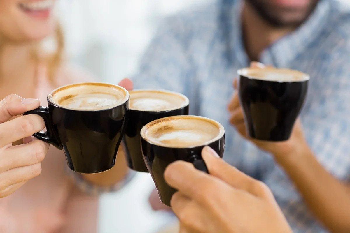 чаши с кафе