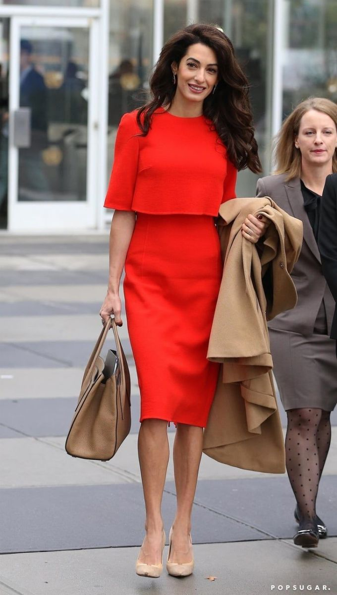 Амал Клуни червена рокля