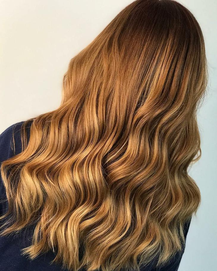златисто-медна коса