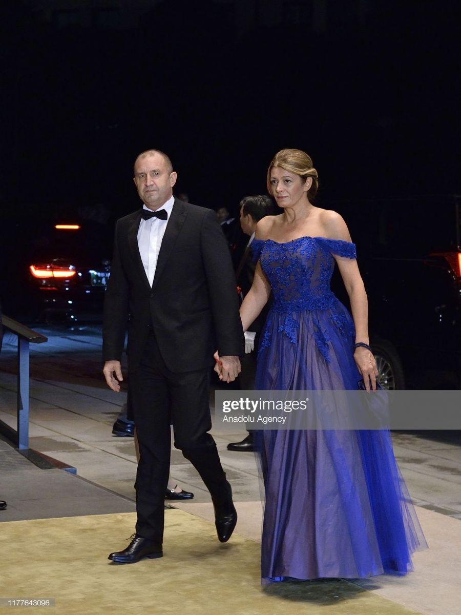 президентът и жена му в Япония