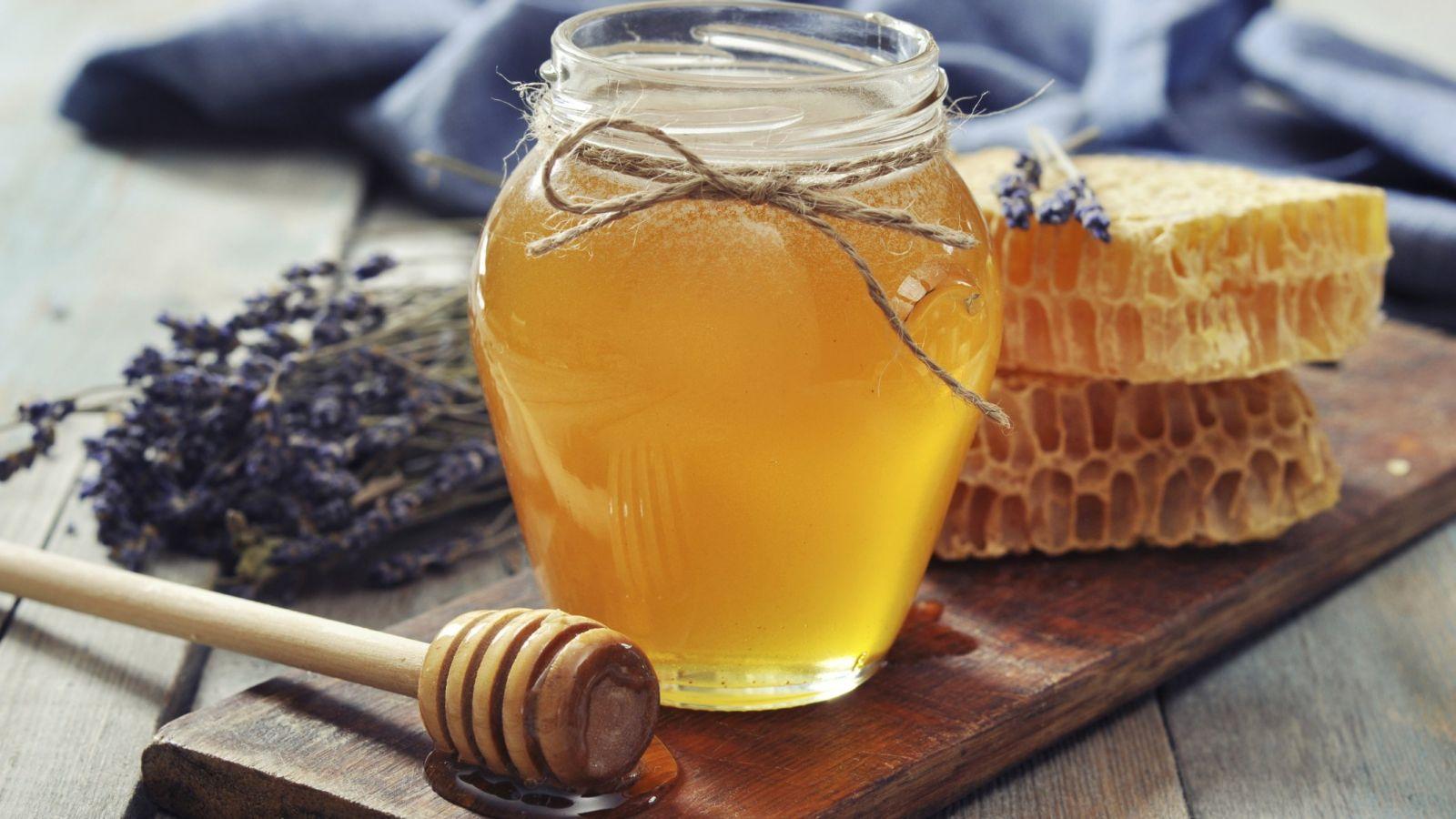 буркан с мед