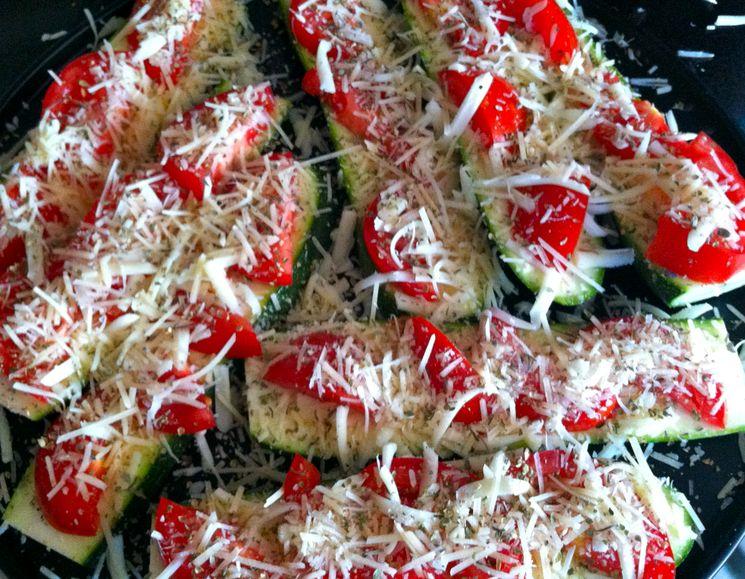 тиквички с домати и кашкавал