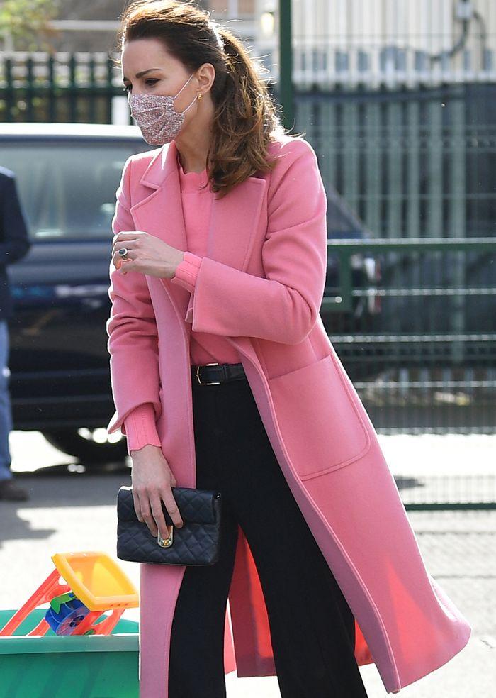 Кейт Мидълтън розово палто