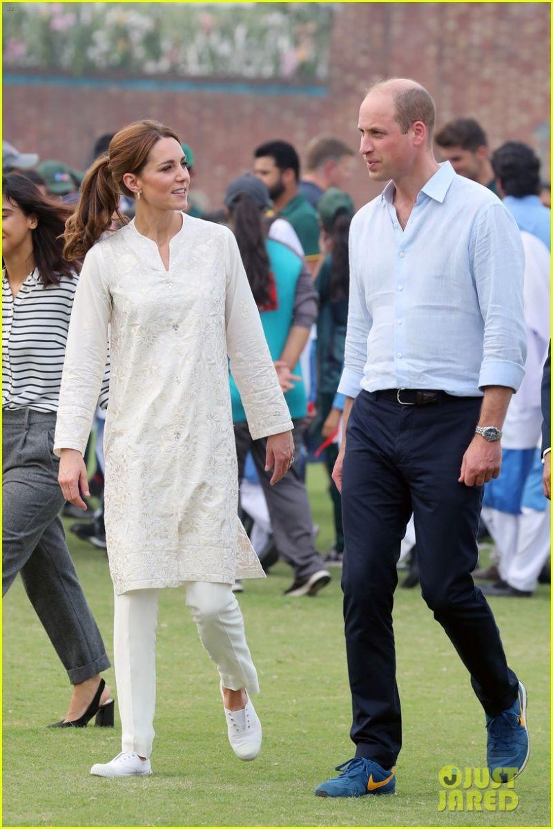 Кейт и Уилям крикет