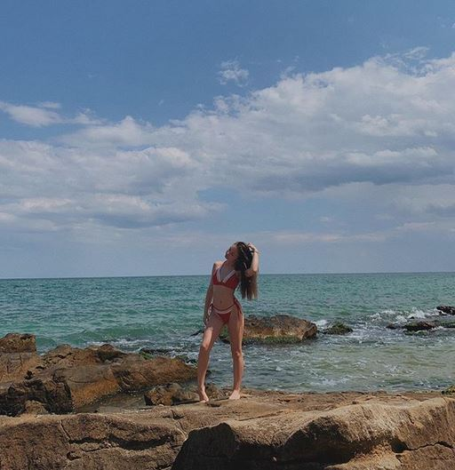 Крисия на плажа