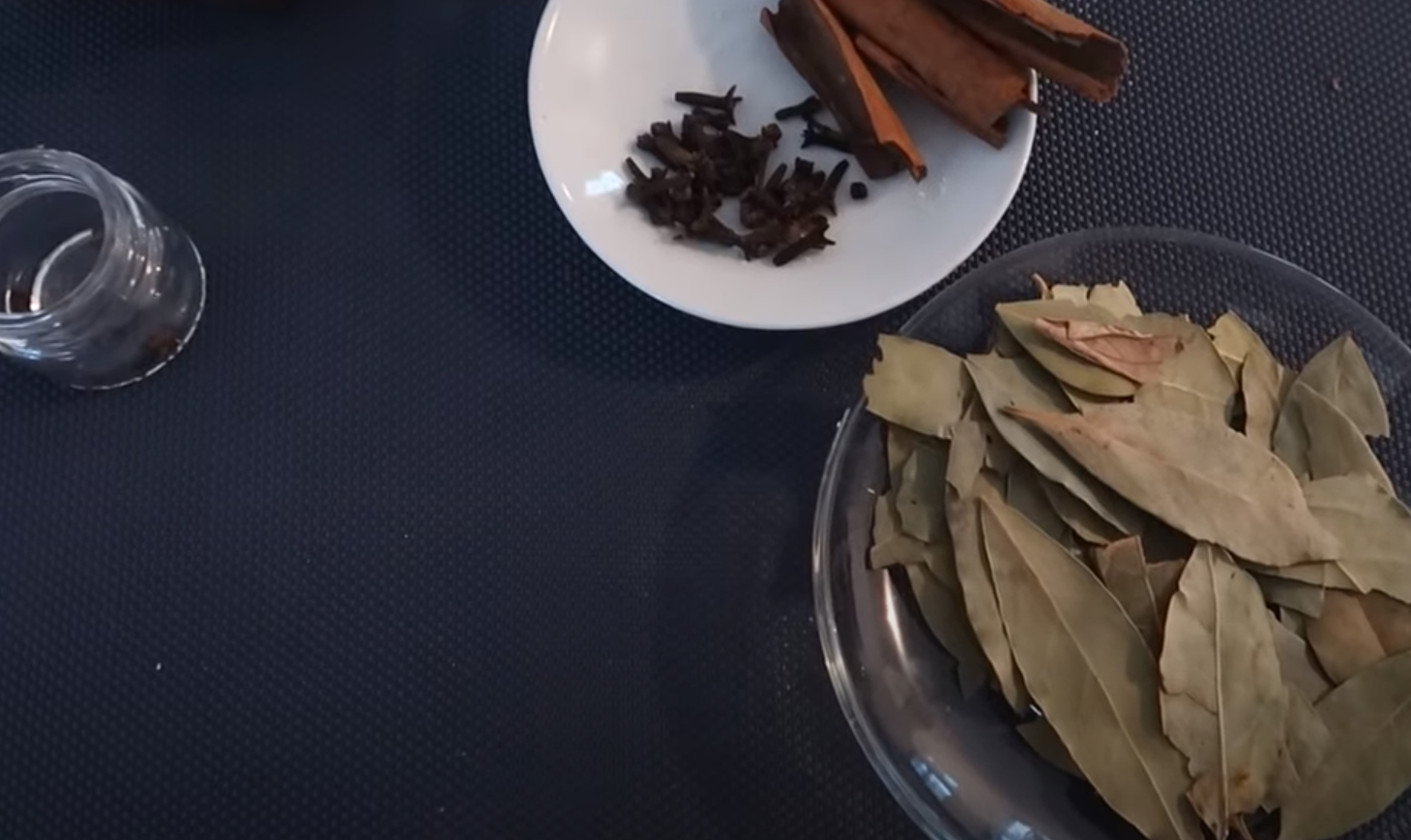 репелент с дафинов лист