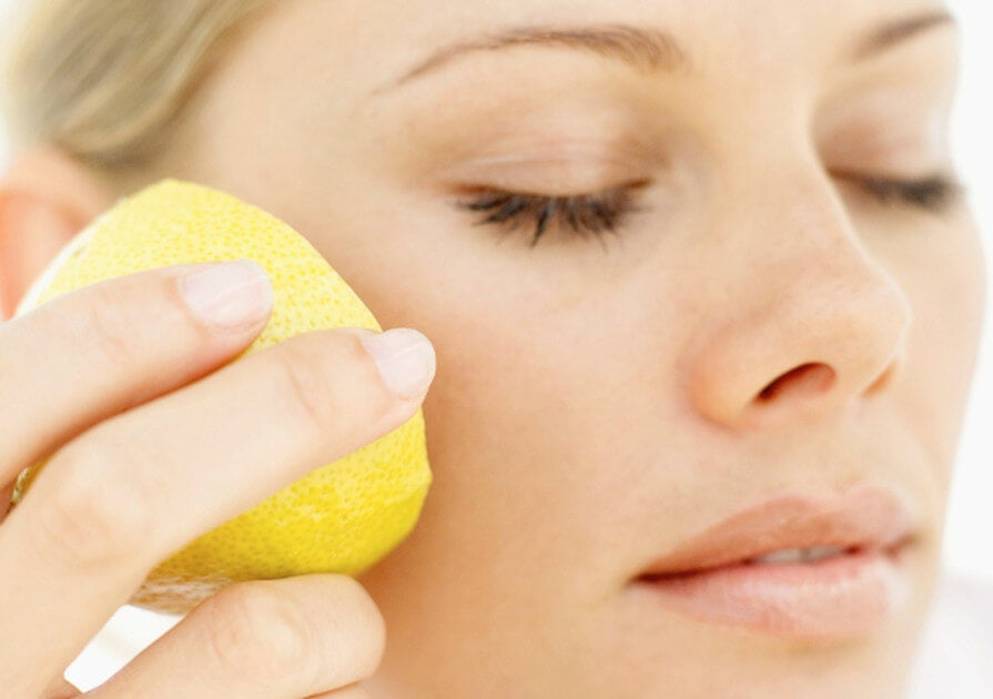 масаж с лимон