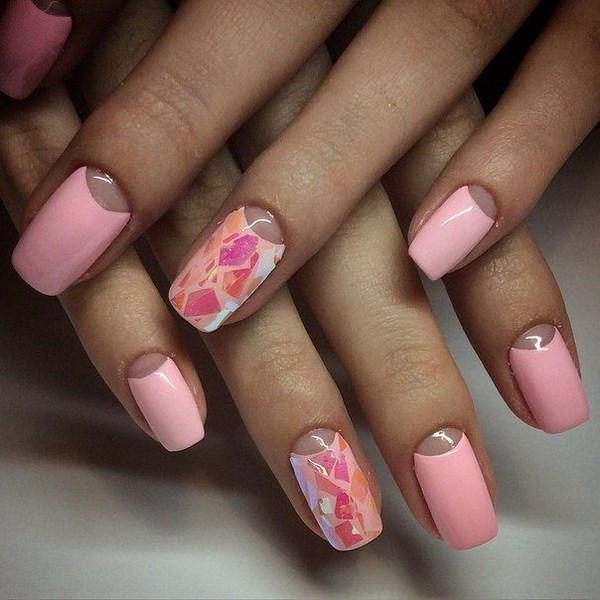 красив маникюр розово