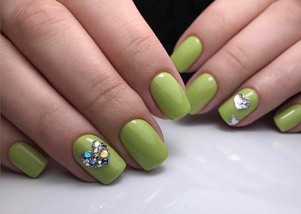 зелен маникюр Св.Валентин