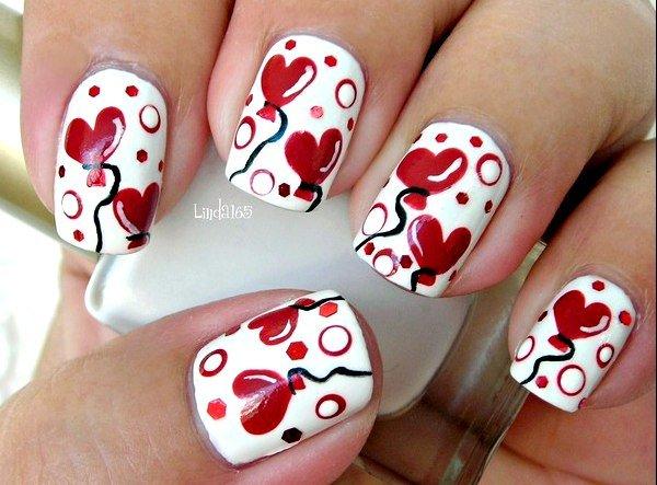 бял маникюр на сърца