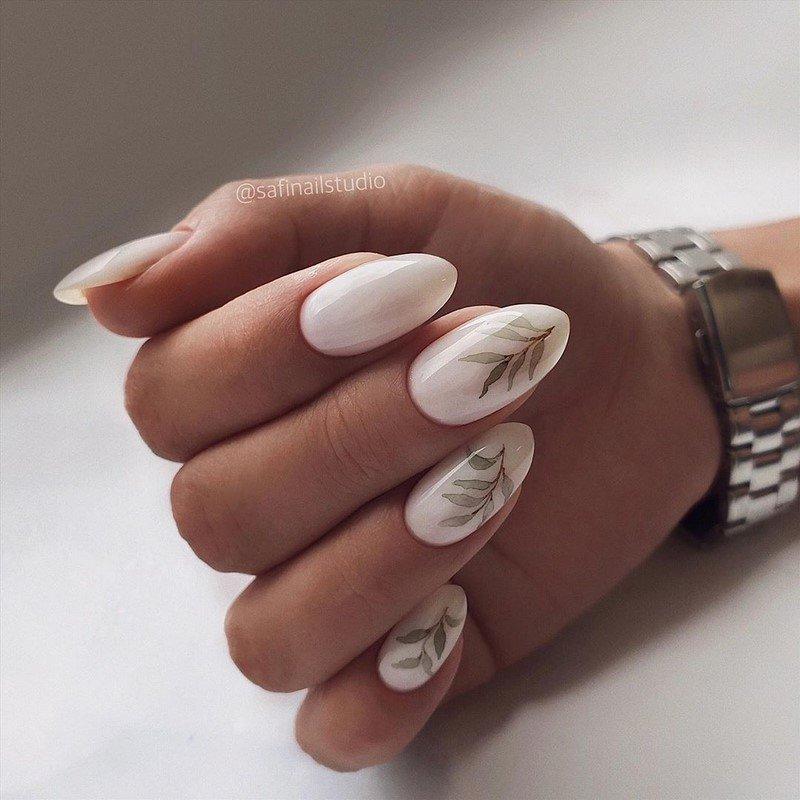 есенен маникюр в бяло
