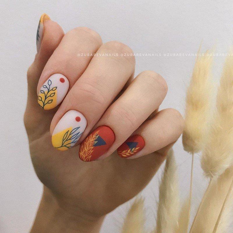 есенен маникюр в топли цветове