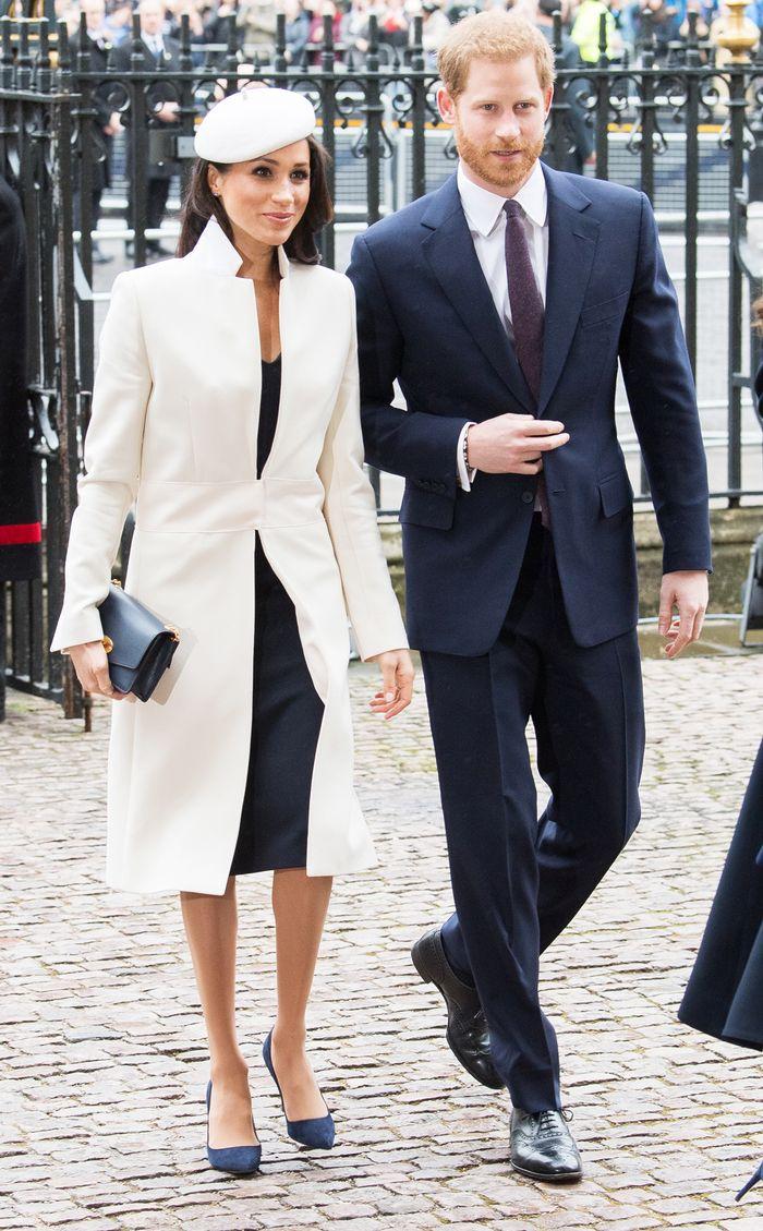 Меган бяло палто