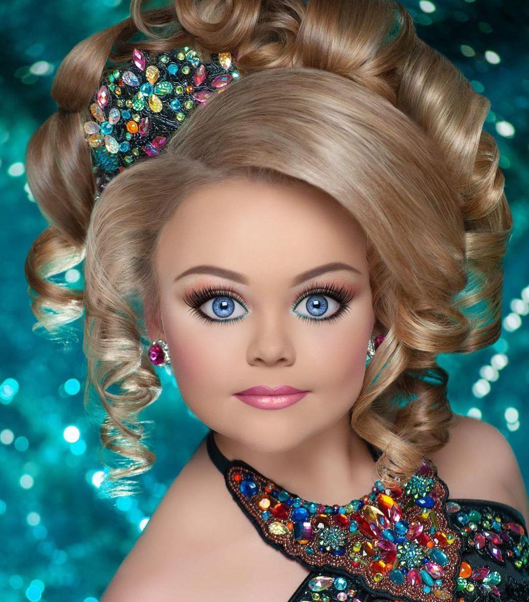 кукленска хубост