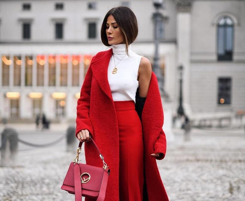 елегантно червено палто