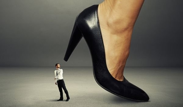 мъж под чехъл